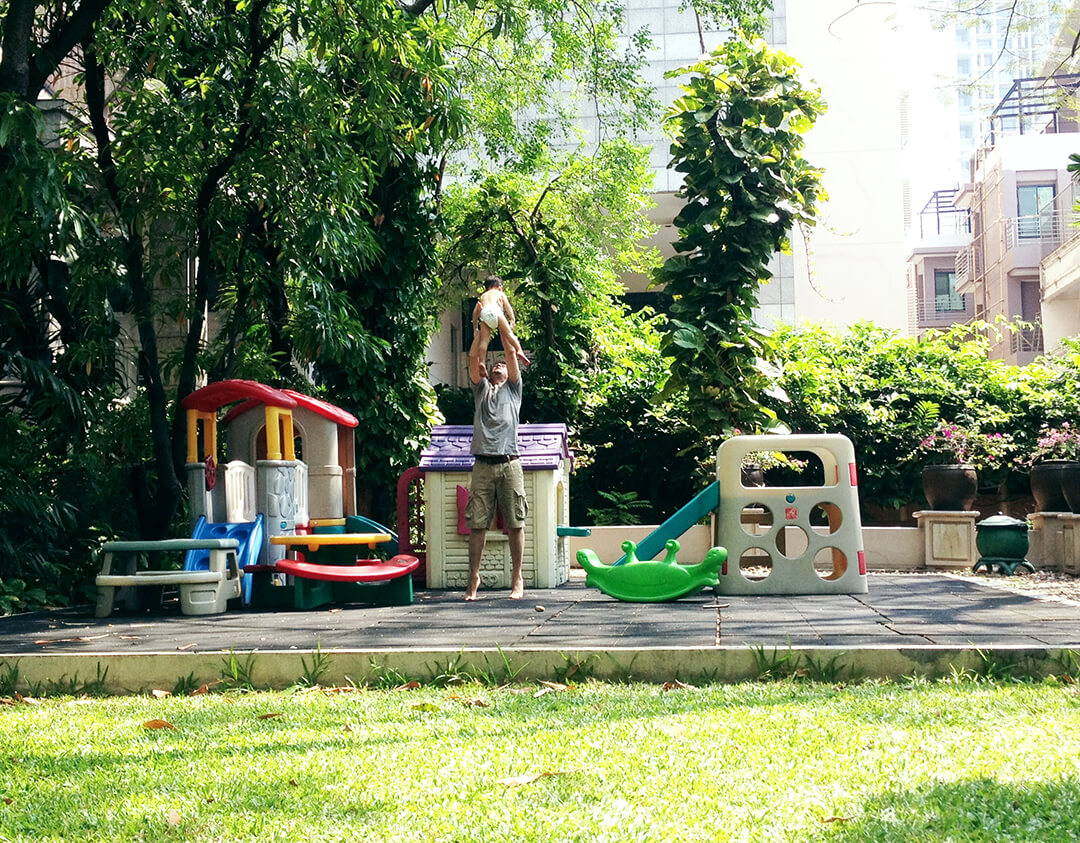 Kinderadoption_spielen-mit-Thaio