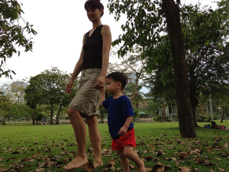 Pflegekind - Spaziergang im Park