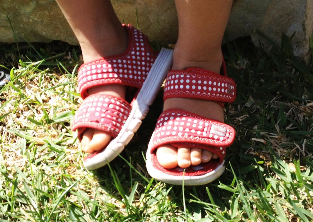 Pflegekind - erste Sandalen von Thaio