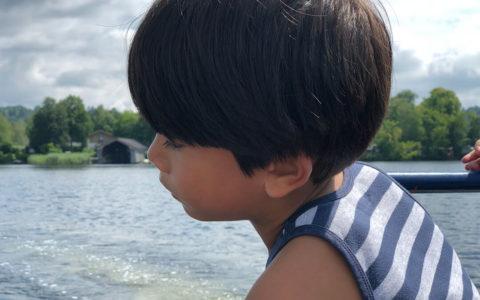 Adoptierte Kinder suchen nach Wurzeln aus ihrer Vergangenheit